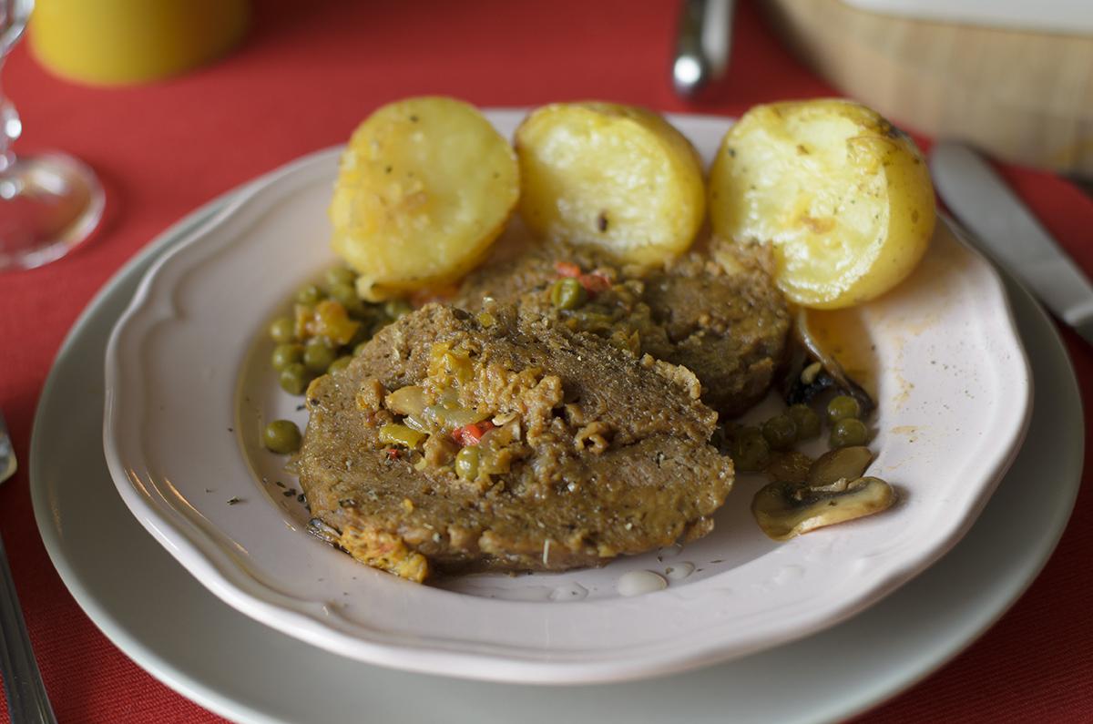 Redondo de seitán, carne vegetal. Ideas de recetas para Navidad veganas. Vegetarianas.