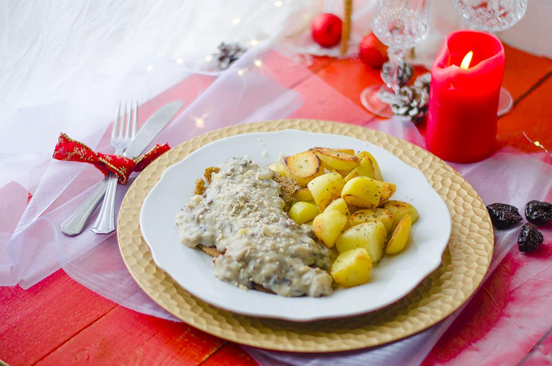 Filetes de seitán con salsa de setas. Ideas de recetas veganas y vegetarianas para Navidad.