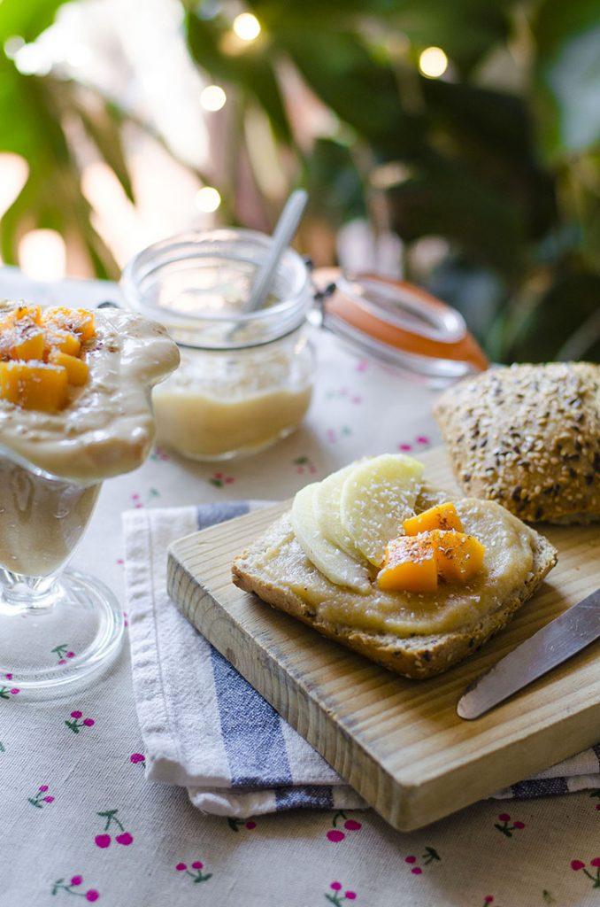 Compota de manzana y plátano (desayuno vegano)