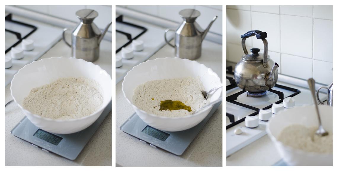 Receta paso a paso para preparar un Pan de aceitunas, cebolla y tomates cherry.