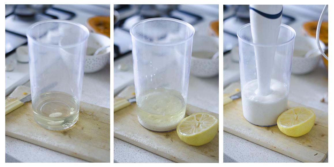 Preparamos la mayonesa vegana (sin huevo) mezclando los ingredientes y triturando.