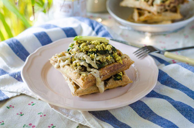 Receta de gofres veganos, caseros, a base de patata y espelta.