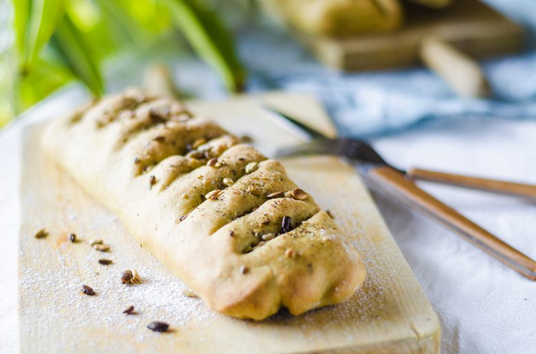 Receta vegetariana - Napolitana salada y vegana rellena de verduras.