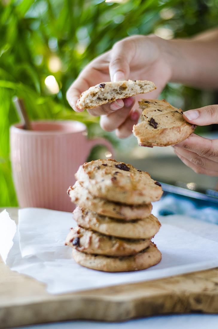 Receta: galletas de mantequilla de cacahuete y pepitas de chocolate. Sin mantequilla.