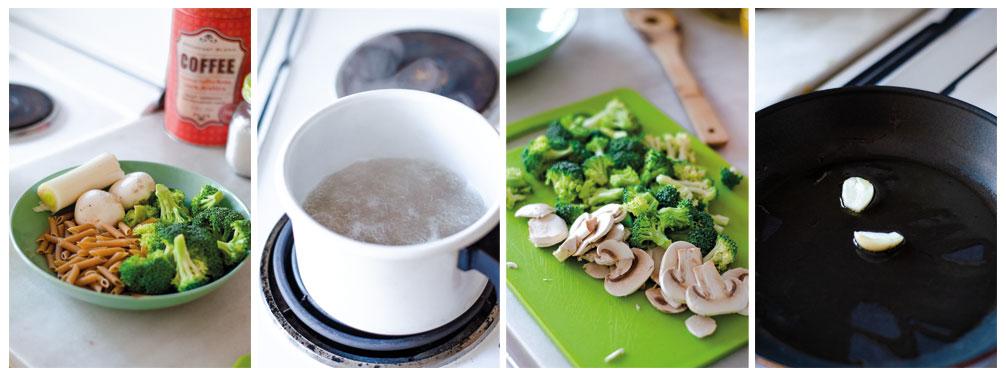 Cocemos los macarrones y salteamos el brócoli con ajo.
