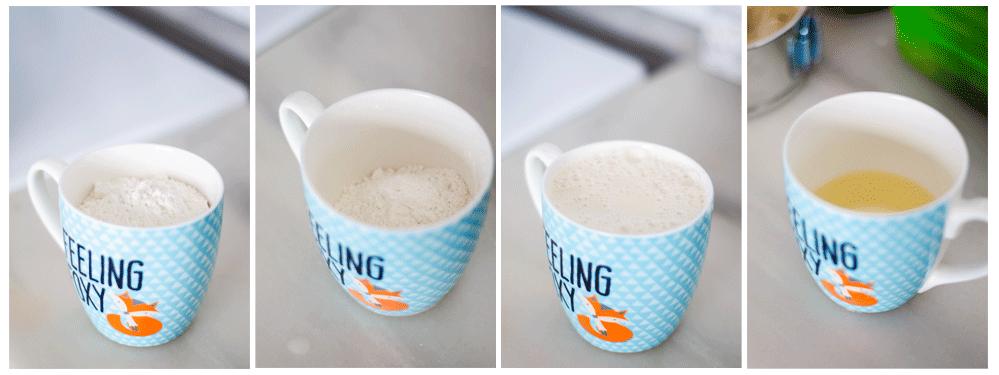 Mezclamos en un bol la harina, la leche vegetal y el aceite.