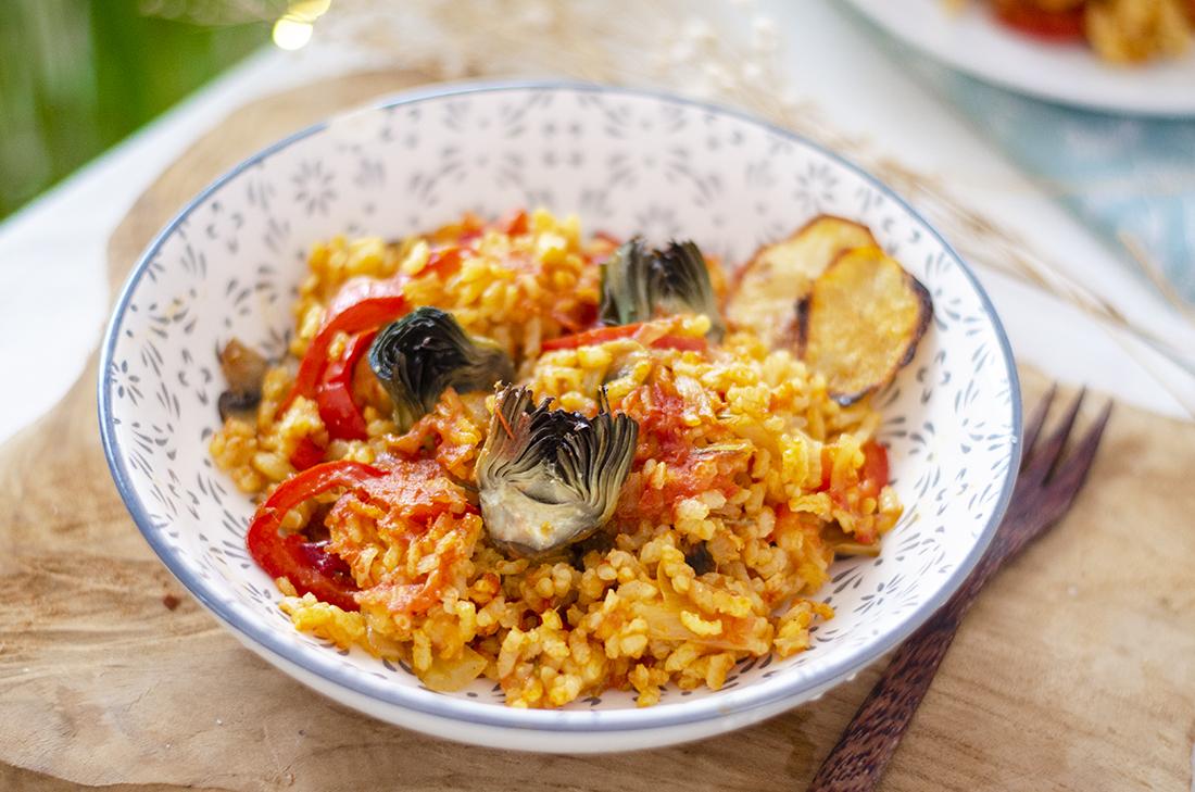 Receta vegetariana fácil: arroz al horno con alcachofas, arroz de verduras.
