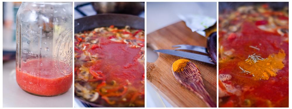 Añadimos el agua, la salsa de tomate y las especias a la paellera.