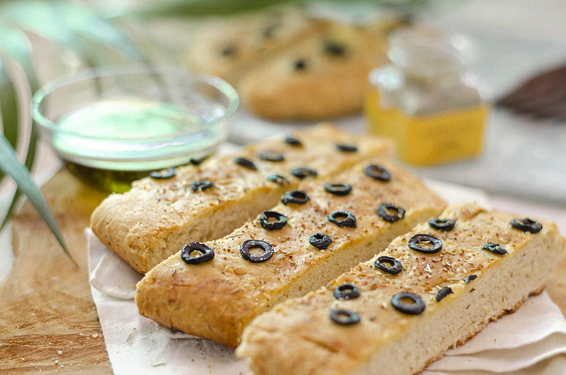 receta_vegetariana_pan_casero_facil_olivas_negras0