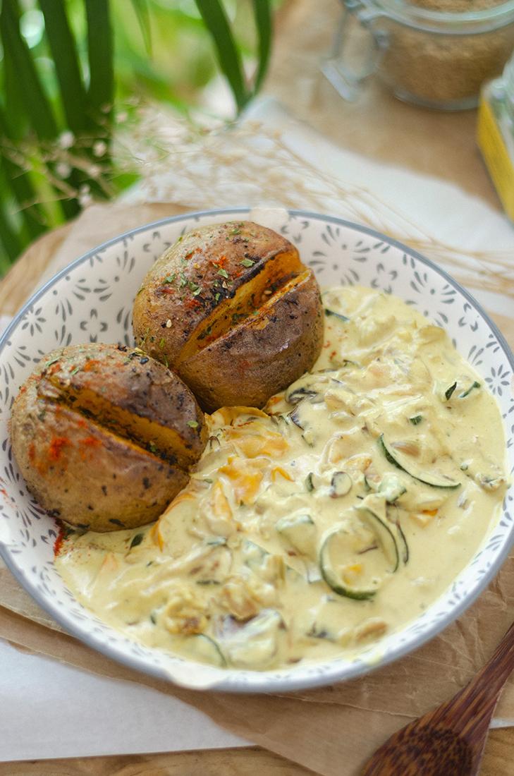 Curry de verduras fácil con patatas asadas