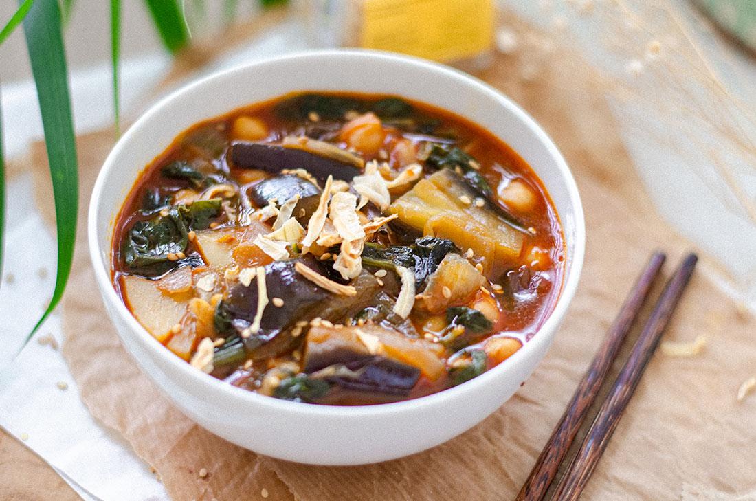 recetas-vegetarianas-sopa-miso-pimenton-garbanzos4