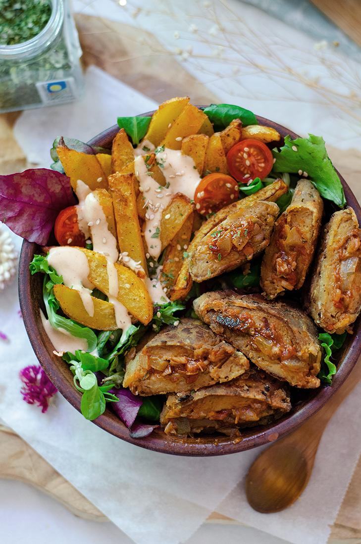 Recetas vegetarianas: filetes veganos de seitán, rellenos de setas. Estilo cachopo vegano.