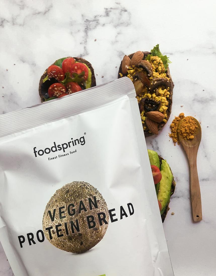 Tostadas veganas saludables. Recetas vegetarianas fáciles para desayunar y merendar.