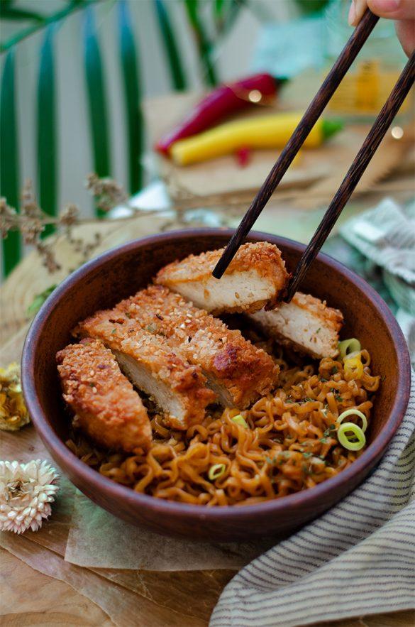 Recetas veganas fáciles: crispy tofu (filetes crujientes veganos, sin carne).