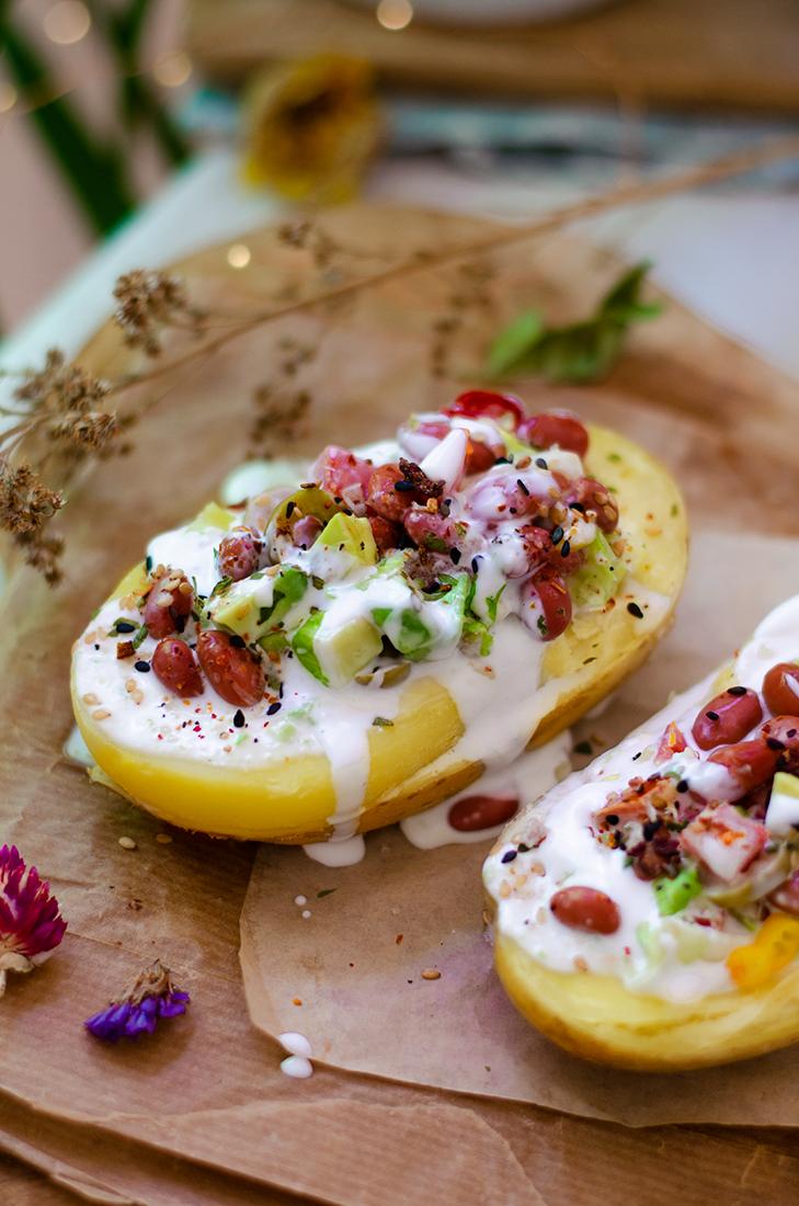 Receta vegetariana: patatas rellenas de verduras con mayonesa vegana (sin huevo)