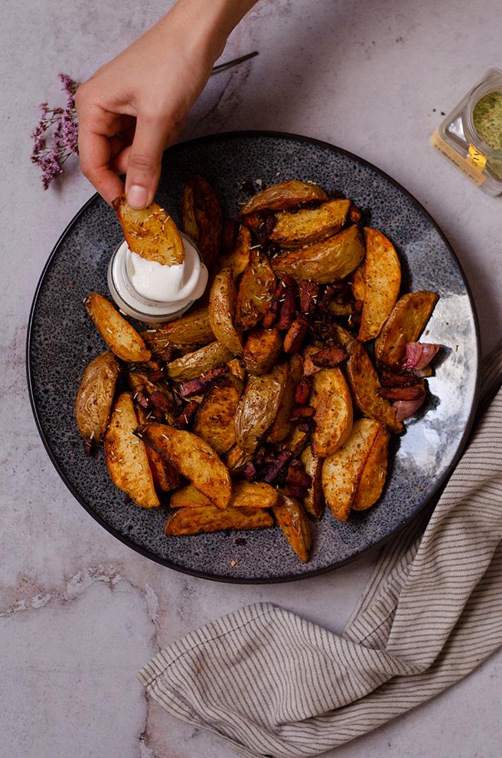 Patatas especiadas saludables, fáciles. Hehcas al horno, una idea fácil para comer saludable, vegano.