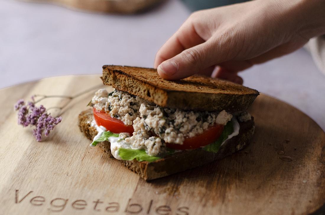 Recetas veganas: sándwich de atún vegetal (atún vegano casero fácil)